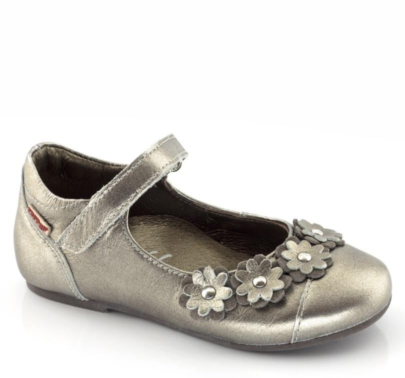 Sommarens sandaler till barnen
