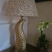 Lampa löv mässing