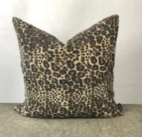 Gepard mönstrat kuddfodral -
