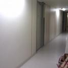 Korridor utanför sporthallen före ombyggnad