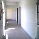 Korridor i simhallen före ombyggnad