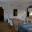 Köksinredningen är ritad av Klura och tillverkad av Helsinge Inredning AB i Edsbyn