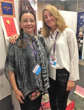 Pia F Davidson och Anne Liljeroth på bokmässan i Göteborg -16