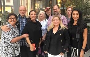 Glada Stockholmsförfattare i Söderhallarna.