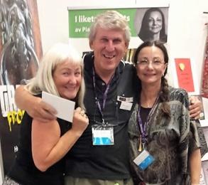 Super-Carina, Ronnie Lundin (författare från Gotland) och Pia F Davidson på Bokmässan i Göteborg -16.