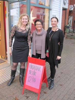 Rose Tillberg Mattsson, Birgitta Andersson Backlund och Pia F Davidson på bokhandeln i Hallstavik -16