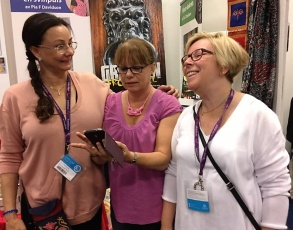 Pia F Davidson, Lena Friedrich och Anne-Lie Högberg på bokmässan i Göteborg-16