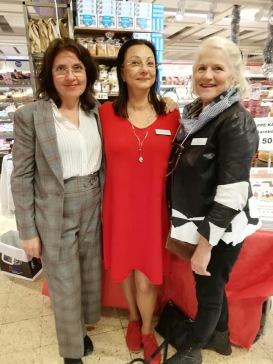 Helena Josephson, Pia F Davidson och Lill Viljesten på Ica Stop den 30 nov-18.