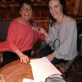 Birgitta Andersson Backlund blir intervjuad av Johanna Vackdahl från Sveriges Radio P4 Jämtland.