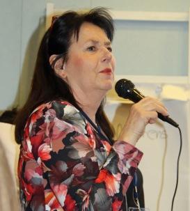 Anna Jansson berättar om sitt skrivande på Litteraturkryssningen april-19.