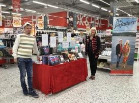 Micael Lindberg och Carina Aynsley på Ica Stenhagen i Uppsala.
