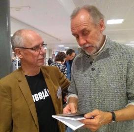 Leif Bornvik i samtal med Håkan Nesser på Örebro stadsbibliotek nov-19.
