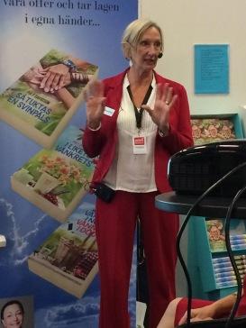 Margareta Mörck pratar om att skriva spännande på Seniormässan i Stockholm, okt-19.