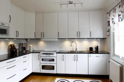Köksrenovering och nya luckor med Pitekök