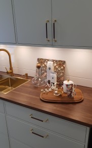 Köksluckan R5 är en slät lucka som gör sig bra i färg.