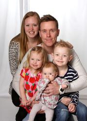 Camilla & Tim med Mella och Liam 6år - Molly 2,5 år