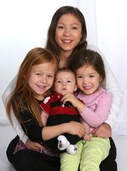 Christina och Tim med William och syskonen Vanessa,Cassandra & Tindra