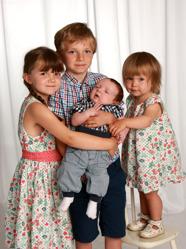 Maria & Fredrik med Erik och syskonen Albin, Karin,Linèa