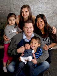 Angelica & Mikael med Linn och syskonen Cassandra,Leo,Lova