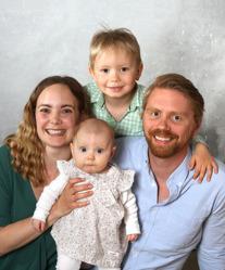 Maria och Andreas med Ebba och syskon Adrian.