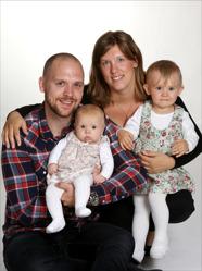 Therese & Rickard med Ellen och Livia