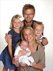 Sandra & Patrik med Lovis och syskonen Ebba,Loke