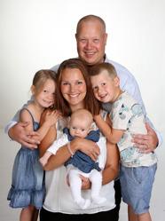 Ann och Marcus med Tilda & syskonen Emanuel och Stella