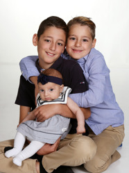 Dani & Isabella med Daniella och syskonen Romeo, Mihael