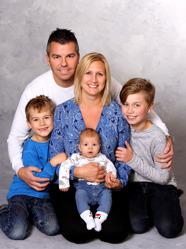 Jenny & Marcus med Valdemar och syskonen Wilhelm ,Melvin