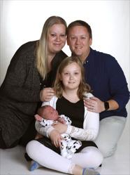 Katja och Martin med Junior och syskonen Isabell