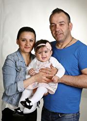 Sawsan och Robert med Talitha och syskonen Mony,Valisia, Charbel, Andreas