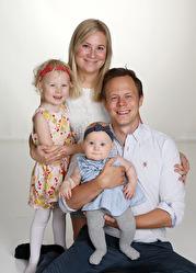 Johanna & Daniel med Lily ,syskon Amelie