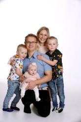 Sofie och Fredrik med Maija & syskonen Hugo,Hampus