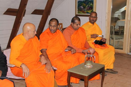 Besök av Buddhistiska munkar från Burma under Green Planet Week 2014.