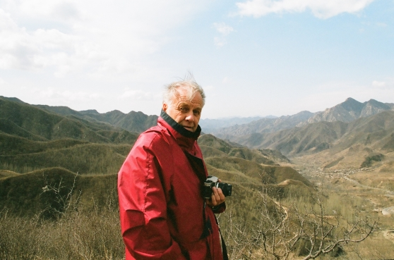 Bengt med kameran i beredskap, här i Kina.
