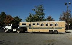 Snart ska tvååringarna skeppas ner till Goop, den här hästbussen stod i Lexington i höstas.