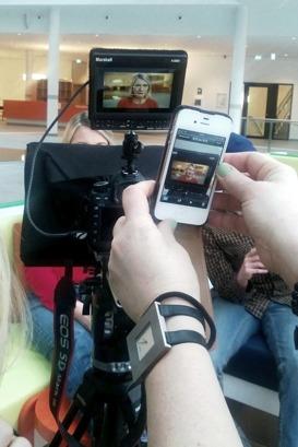 Filmproduktion pågår. Hår görs en filminspelning åt Psykiatrins Hus i Uppsala som behövde några utbildningsfilmer. Annette Stavenow Eriksson regisserar.