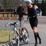 Jenni växlar ut för 20 km cykel