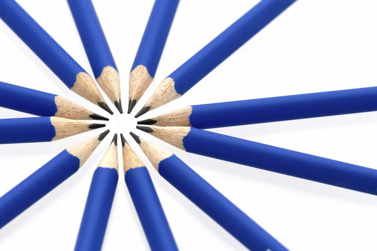 Logotyp Resurscentrum för litteratur: blå pennor.