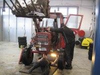 2010 Hallberg och Danne fixar traktorn