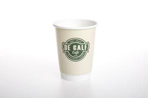 Profilmuggen erbjuder tryck på pappersmuggar för kaffe, te och läsk i olika storlekar och bägare för både glass och soppa. Snabba leveranser och fri frakt på muggar med enkla eller dubbla väggar och heltäckande eller begränsad tryckyta.