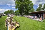 Barnfestivalen invigs av Kjell Lindström och Hultsfreds sommarorkester