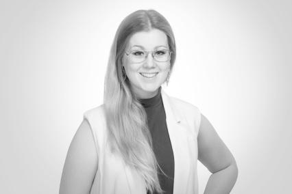 Rebecca Häller - projektledare, sångpedagog     & körledare
