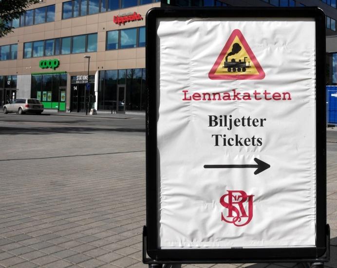 Biljetter kan köpas vid Lenna-Kattens perrong vid Uppsala Station. Foto Claes Funck.