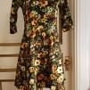 Klänning med lätt klockad kjol - Klänning Anemoner stlk XL