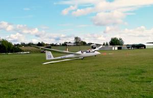 En sekund innan Amar sätter en riktigt snygg landning.