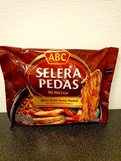 Mi ABC Selera Pedas Het Gulai Kyckling Smak