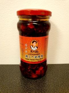Lao Gan Ma Chiliolja med Knutkål, Jordnötter och Tofu
