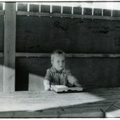 Fotokonstnär, Fotograf: Ava Valsten, Pojken med bandspelaren