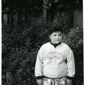 Fotokonstnär, Fotograf: Ava Valsten, Flickan med bad boy tröja